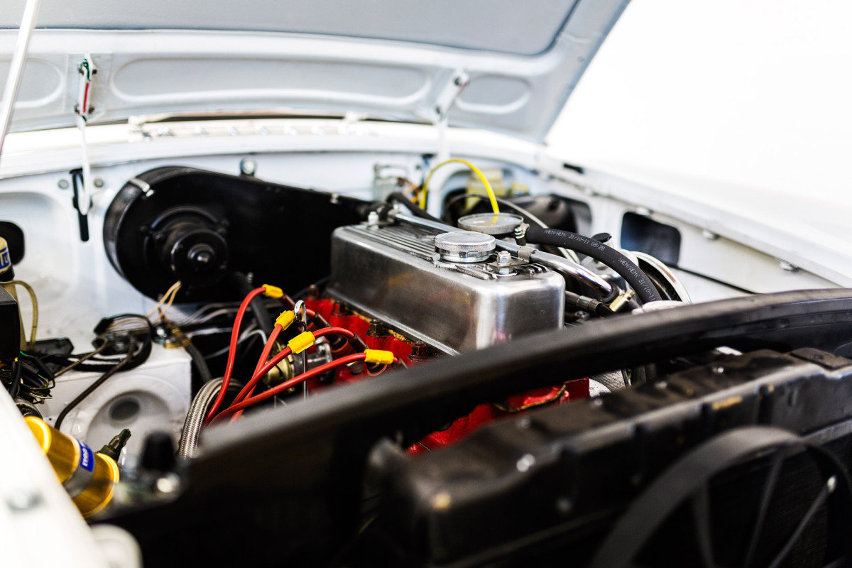 MG BGT Motor nachher